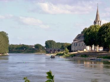 http://2.bp.blogspot.com/-bVG4jcnVZTM/UCxUrA2JygI/AAAAAAAAJfw/hVkOLUCUpJI/s1600/Chalonnes+sur+Loire++(2).jpg